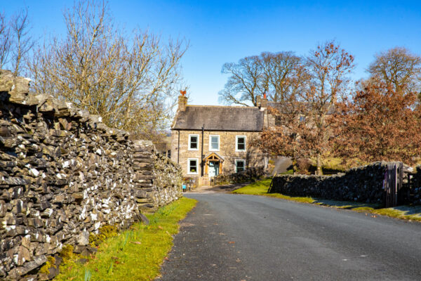 photo of the road to middle studfold farm